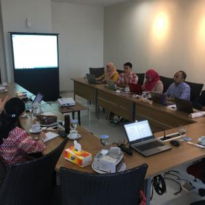 Service Facility Team meets with Indonesian Science Fund